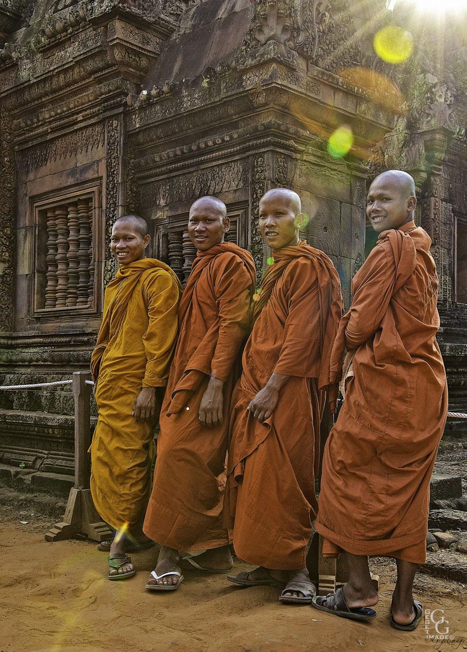 Sous la lumière de Bouddha