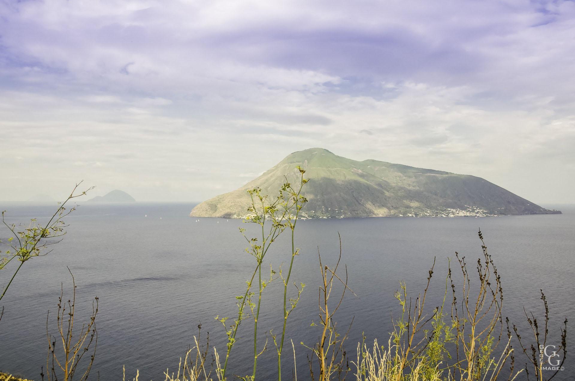 Le Stromboli au large des îles Eoliennes