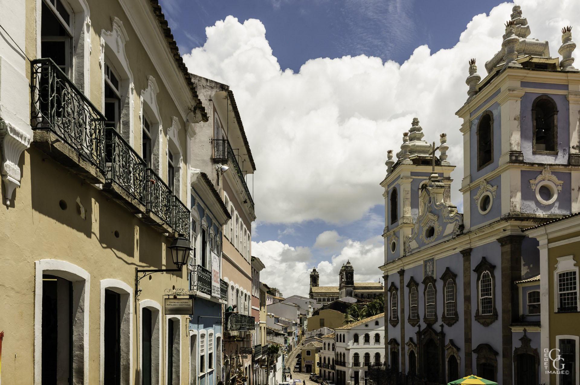 N.S Do rosario dos Pretos bâtie au 18°s par et pour les esclaves.