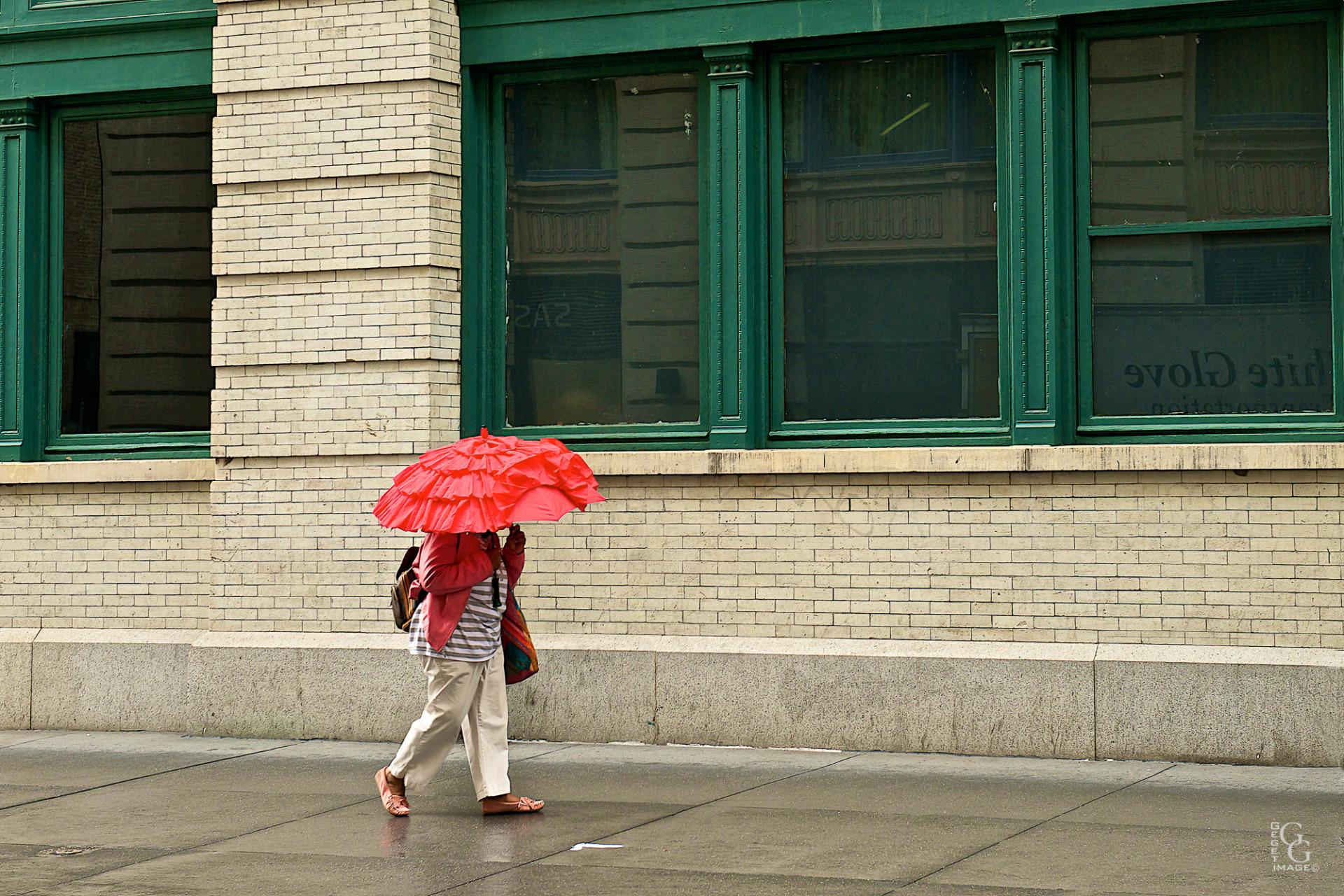 Jour de pluie coloré sur la 4°St
